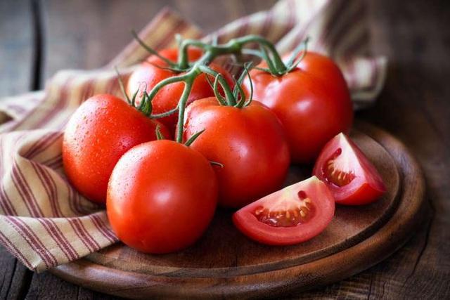 Trị sẹo hắc lào bằng cà chua