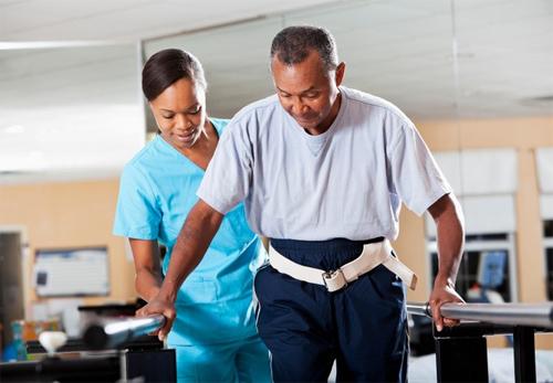chăm sóc bệnh nhân sau gãy xương
