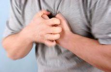 đau ở xương ức là bệnh gì