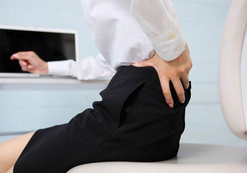 đau thắt lưng trái