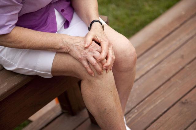 Thuốc tái tạo sụn khớp phù hợp với người cao tuổi