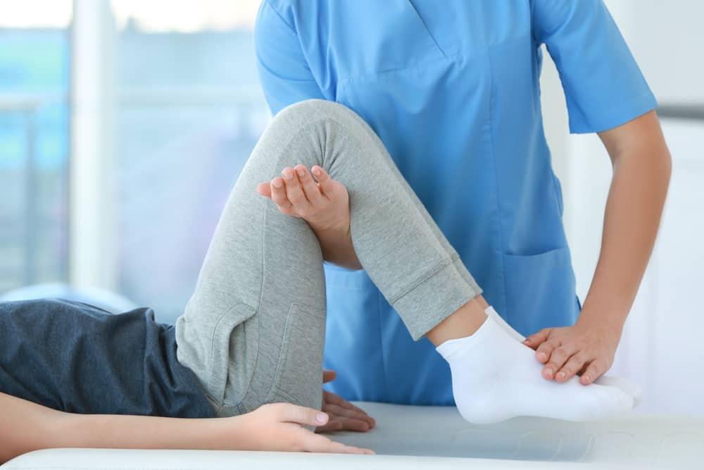 Tập vật lý trị liệu sau mổ dây chằng gối NHƯ THẾ NÀO MỚI HIỆU QUẢ ?