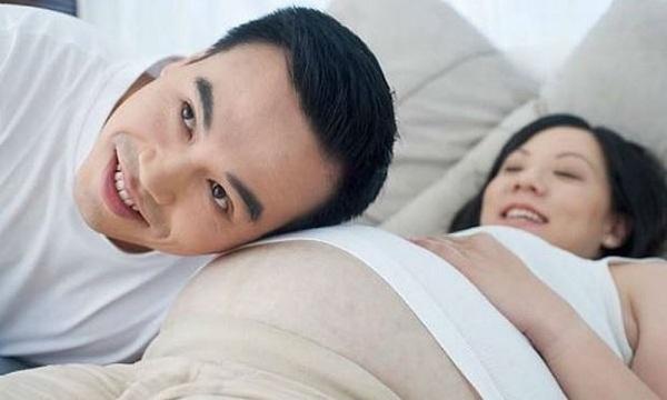 Vợ sinh con chồng được nghỉ mấy ngày?