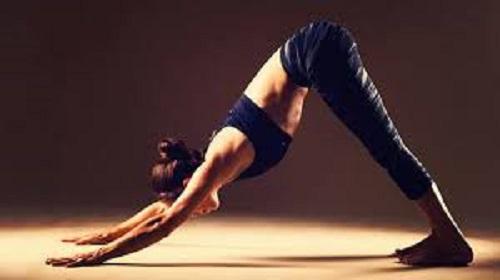 yoga trị liệu đau cổ vai gáy tư thế có úp mặt